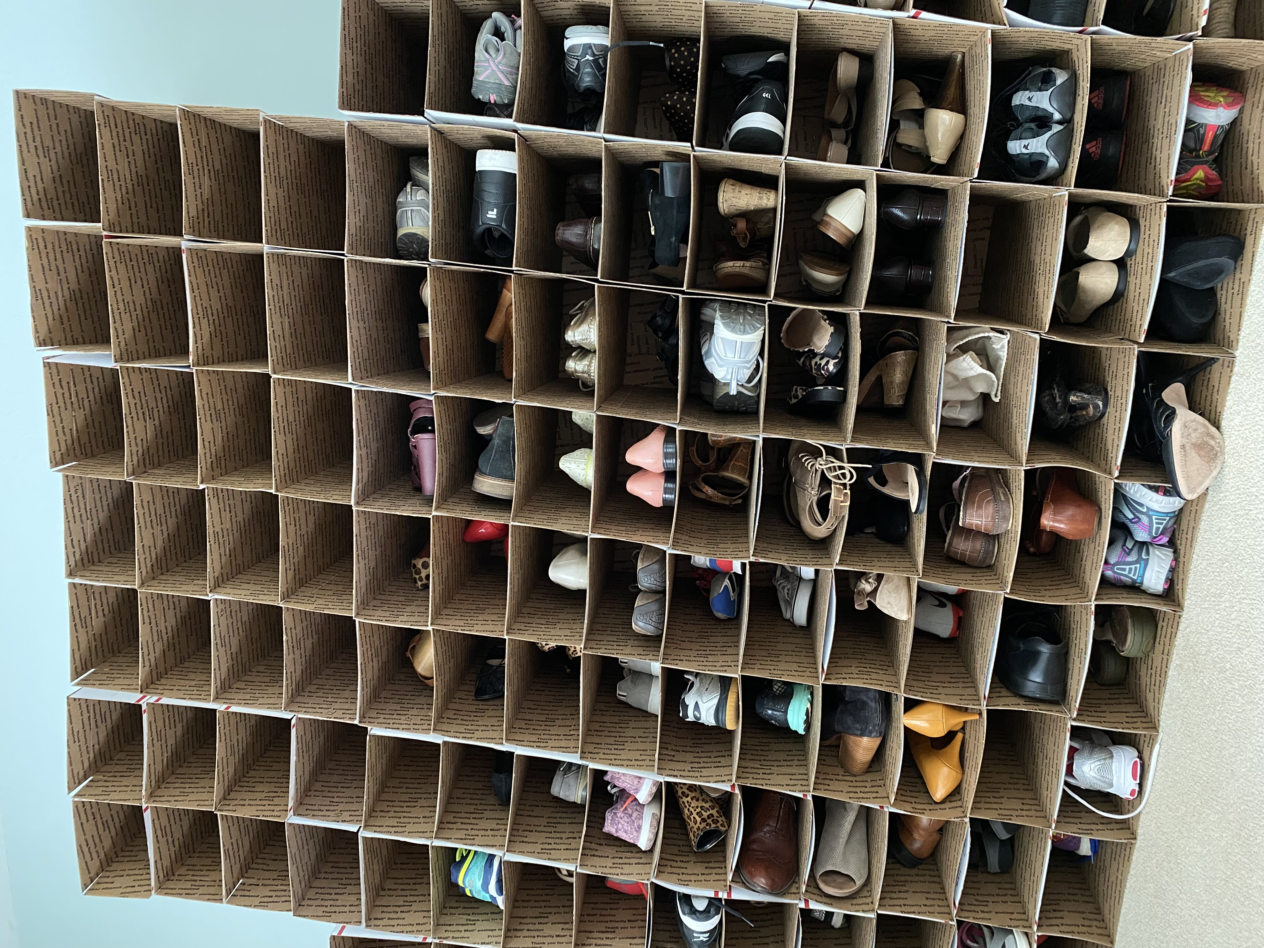 Storing shoes for reselling